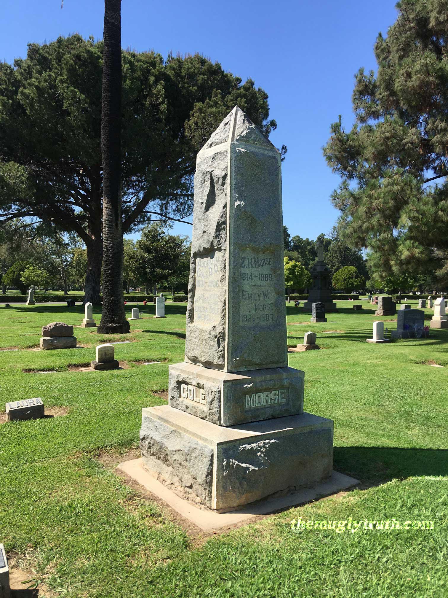Obelisk headstone